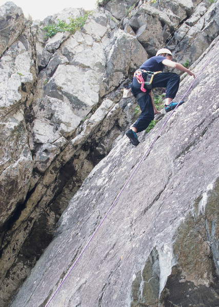 Ruben climbs The Slab