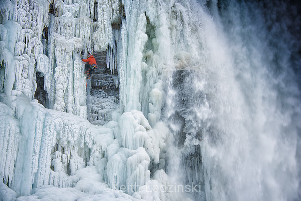 Will Gadd Ie climbing Niagra Falls first ascent