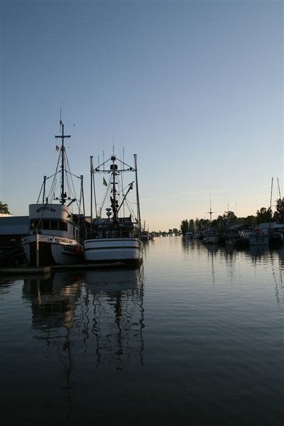 I-CO-Harbour_at_Twilight-EllisV