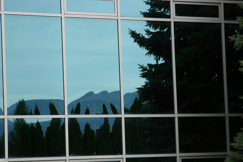 A-CO-Mountain_Reflection-SuchanL