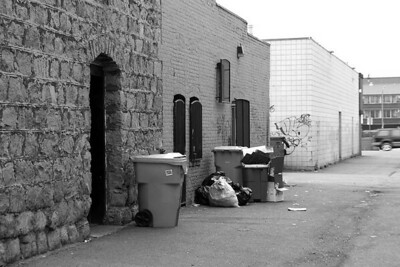 I-BW-Back_Alley_Pick-up-SuchanL