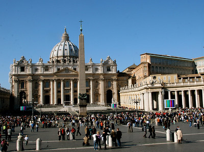 A-CO-St_Peter's_Square_RiemerD