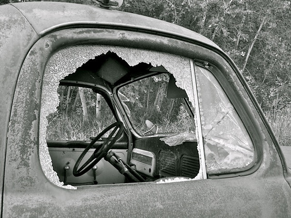 BW-Nobody at the Wheel-Hilda Noton