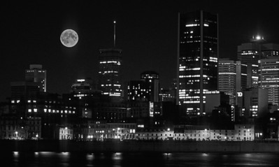 BW-Moon over Montreal-Frank Johnson