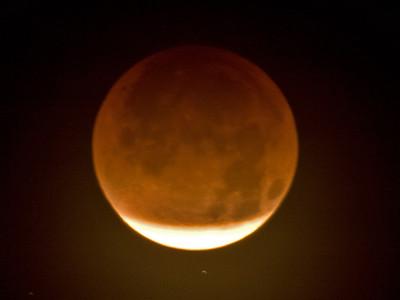 TR-Lunar Eclipse-Ian Sutherland
