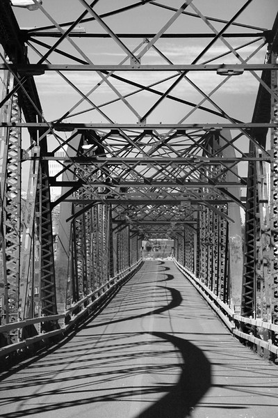 BW-Traffic Bridge-Valerie Ellis
