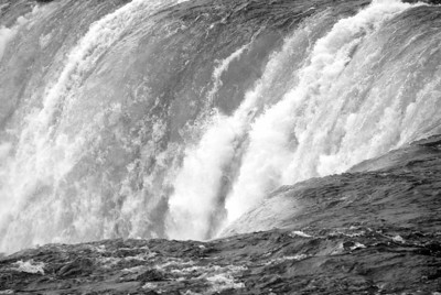 BW-Mighty Niagra Falls-Emily Schindel