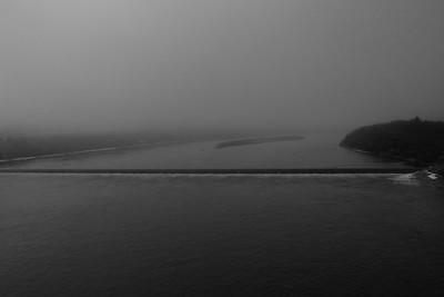 SC-BW-Foggy Morning over Wier-Rhea Preete