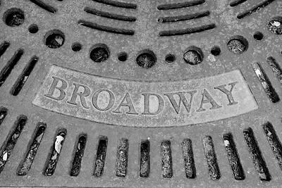 BW-Broadway Grate-Valerie Ellis