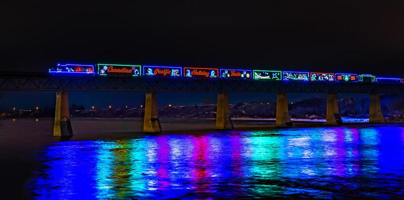 1-TR-Christmas Train 2019-Cheryl Lalonde