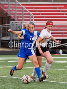 Clinton vs North Davenport girls soccer 4-25-17