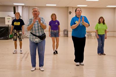 5373 Dancers med