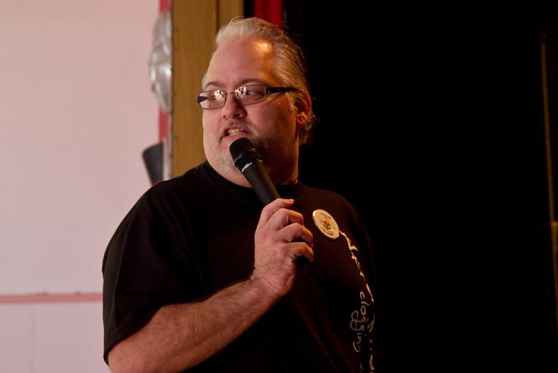 Richard teaching at Blossom Hill Festival.