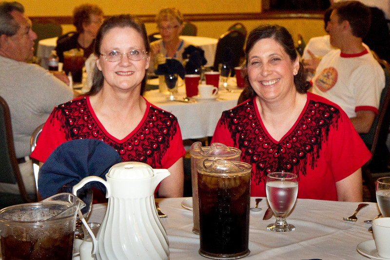Lois and Carol at the dinner Saturday
