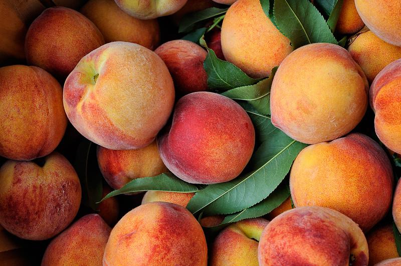 Summer peaches at a farmer's market