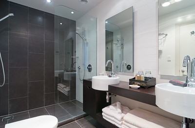 Cloud 9 Luxury Villa - Master Bedroom ensuite