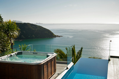 Cloud 9 Luxury Villa - Spa Pool with a view