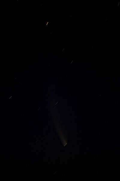 The Great Comet of 2007; a 3-minute exposure showing Comet McNaught in the southwestern sky. Taken at Reids Flat, New South Wales, on 27 January, 2007 (15 days after perihelion) at around 22:00 hours. McNaught was the brightest comet to be visible from Earth in more than 40 years.