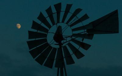 Doppler, windmill_20171001_0238 horizontal 16x10