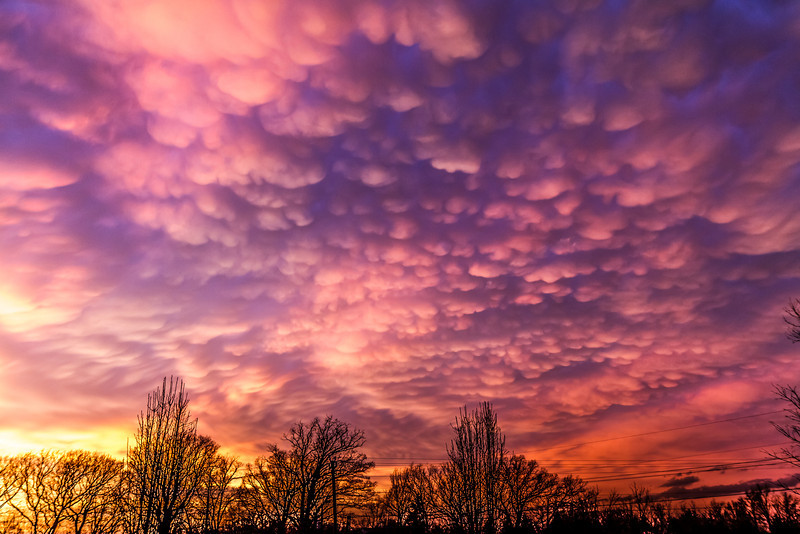 Taken on 4/3/14, a display of Mammatus Clouds.