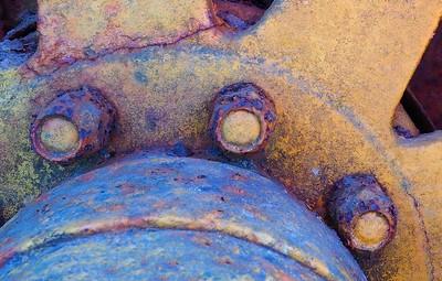 Old Wheel by Linda Harris