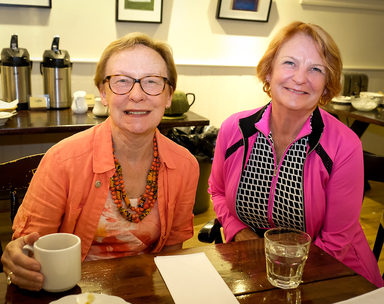 Guest speaker Merle Taylor (L) hails from Edmonton Glenora Rotary Club and was in Etobicoke to visit her sister Catherine S