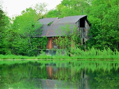Bottom Land Barn 2