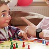 """Ferienspiel """"Mensch ärgere Dich nicht"""" mit Bauchredner Roy Reinker & Baby - WBG Zukunft eG - Karrideo Imagefilm-Produktion©®"""
