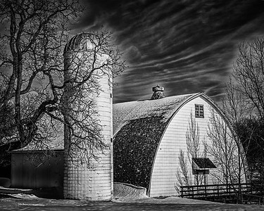 Night Barn_Teri Moyer