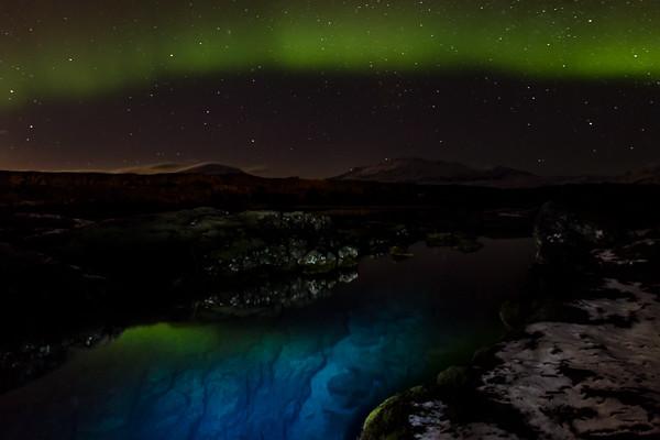 Auroa Borealis over Þingvellir cracks