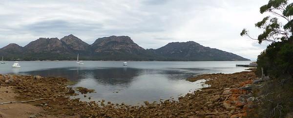 P1000728 - Coles Bay, Freycinet National Park, TAS