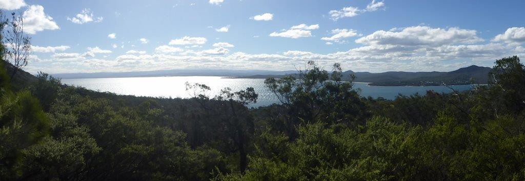 P1000758 - Coles Bay, Freycinet National Park, TAS