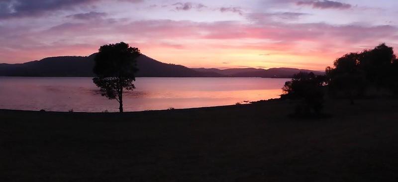 P1000787 - Sunrise in Rosetta, Hobart, TAS