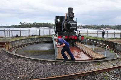 Turning the train, Wilderness Railway, Strahan, TAS