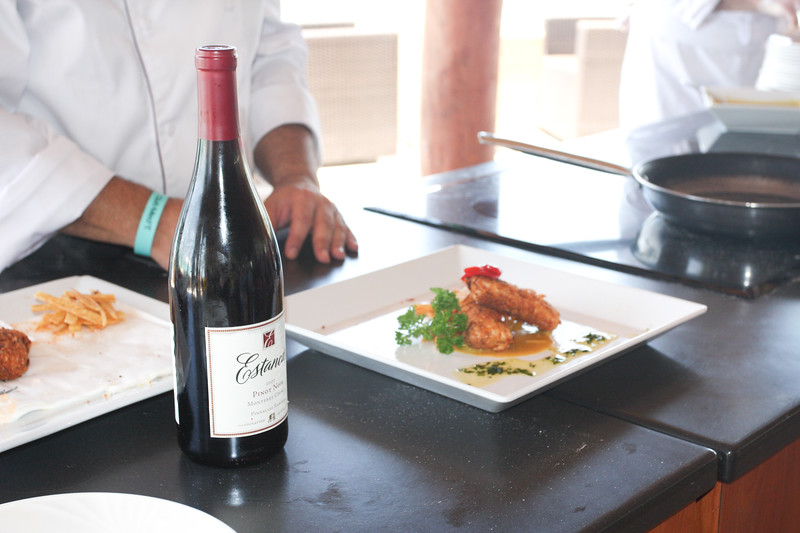 Cashew Crusted Red Snapper paired with and excellent Estancia Pinor Noir.