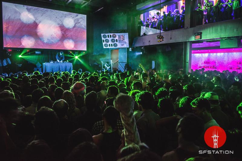 Tycho DJ Set Mar 4, 2016 at 1015 Folsom