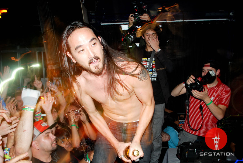 """Photo by Allie Foraker <br /><br /> <b>See event details:</b> <a href=""""http://www.sfstation.com/steve-aoki-e896131"""">Blow Up feat. Steve Aoki </a>"""