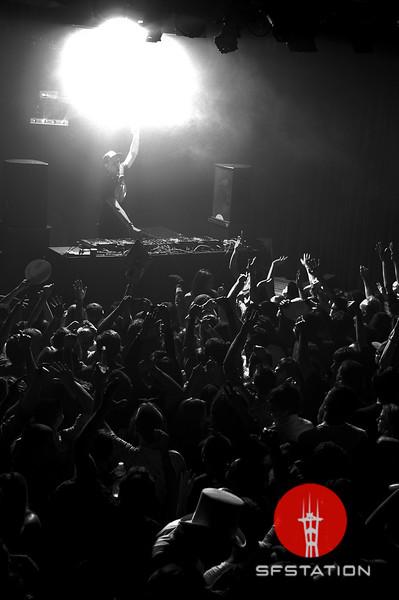 "Photo by Alex Akamine <br /><br /> <b>See event details:</b> <a href=""http://www.sfstation.com/boys-noize-e1425662"">Boys Noize</a>"