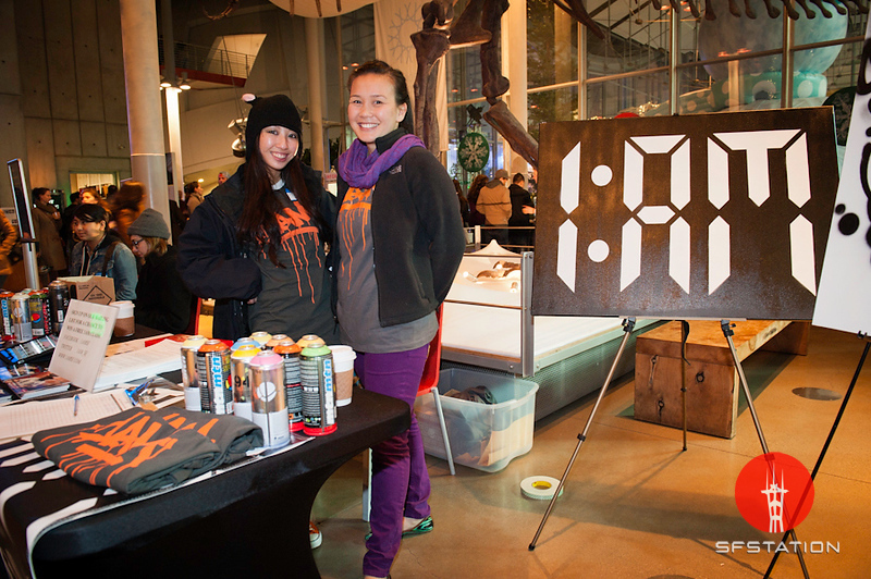 Photo by Niall David<br /><br /> http://nialldavid.com<br /><br />   <b>See event details:</b> http://www.sfstation.com/12-8-sf-streets-nightlife-e1431622