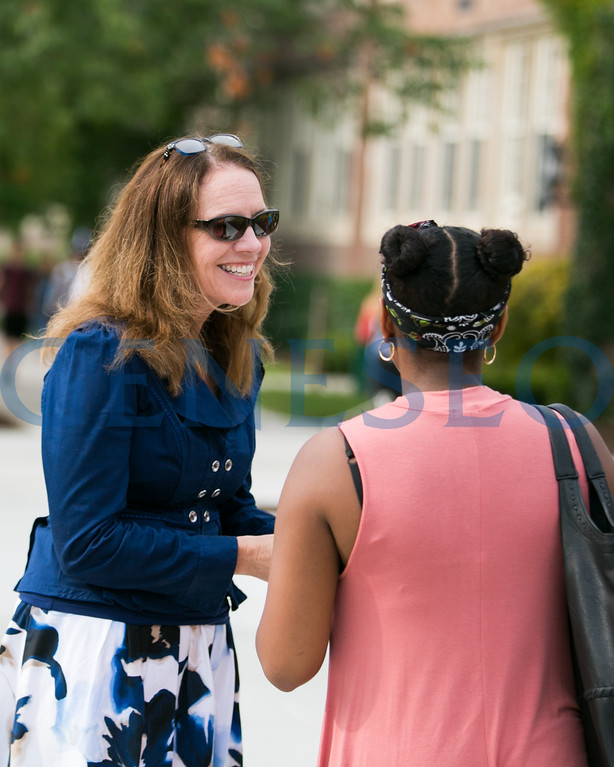 Fall 2017 Campus Greeters Weeks of Welcome KW Provost Stacey Robertson