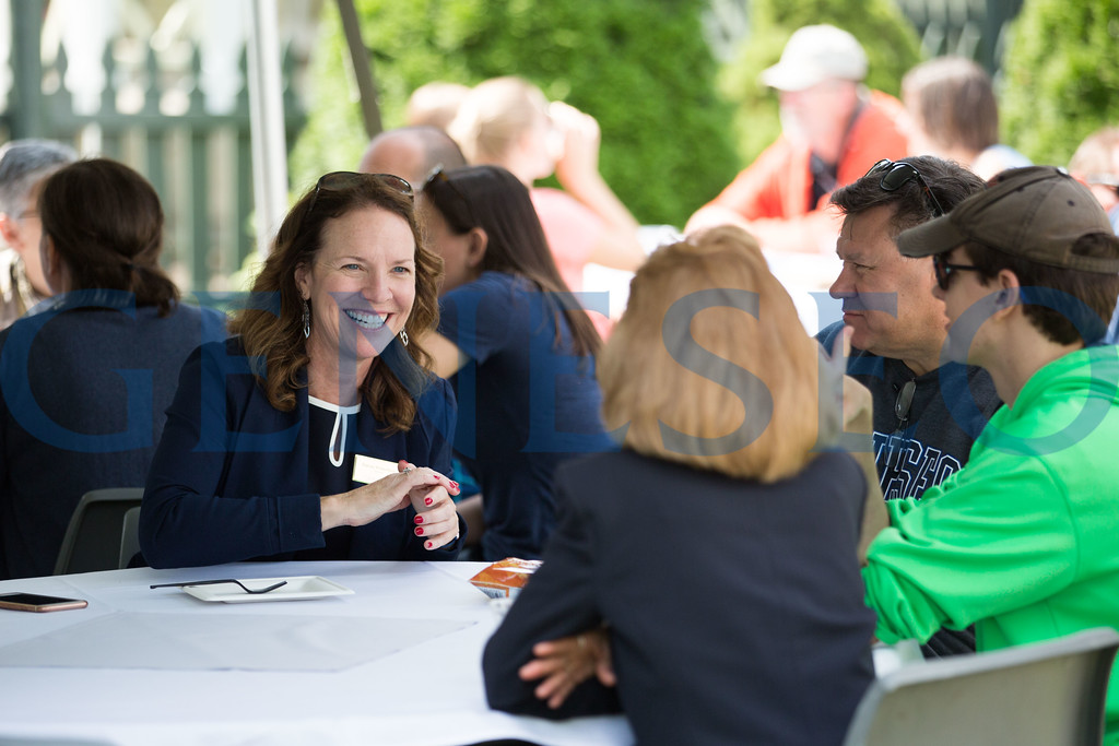Fall 2017 Move-In Day welcome picnic at campus house Provost Stacey Robertson