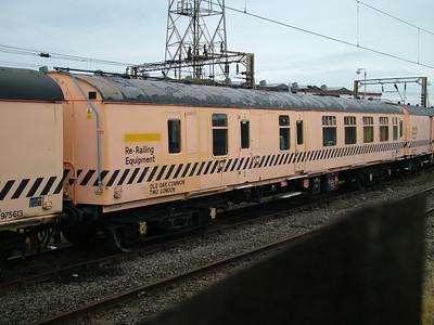 ADB975574 Old Oak Common Breakdown Train (various images)