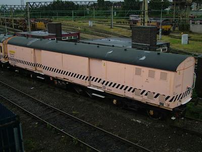 ADB975611 Old Oak Common Breakdown Train