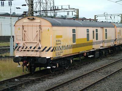 ADB975613 Old Oak Common Breakdown Train