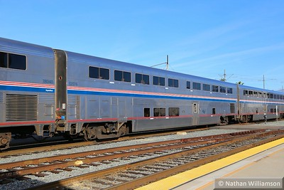 32076 arrives into Los Angeles Union  02/02/15