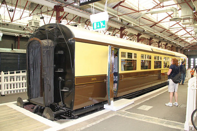 9631 - GWR Buffet Car built in 1934 in Swindon Steam Museum 12/09/10