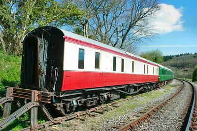 276 - Hawkesworth Gangwayed Brake on the South Devon Railway 12/04/09