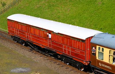 4050 - LNER Gresley Gangwayed Passenger Brake built in 1941 arrives into Rothley on the Great Central Railway  08/09/12