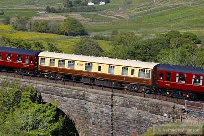 """Mk1 RBR 1659 crosses Ais Gill Viaduct in the consist of: 1T53 15:12 Carlisle to Lancaster """"The Fellsman"""" 10/06/15"""