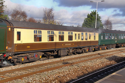 "Mk1 BFK 17013, 60013 ""Bittern"" Support Coach arrives into Swindon 28/11/09"